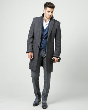 manteau long et costume